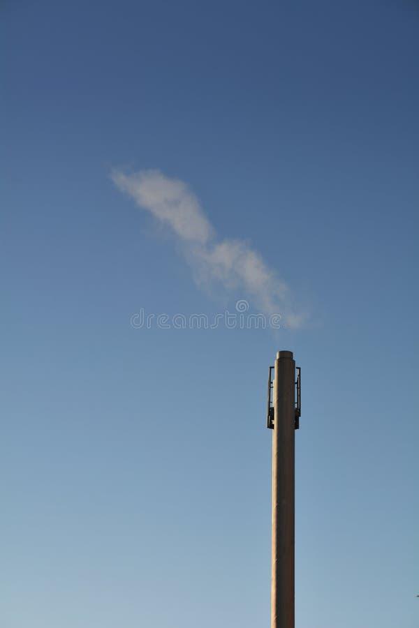 Cheminée de tabagisme photos libres de droits