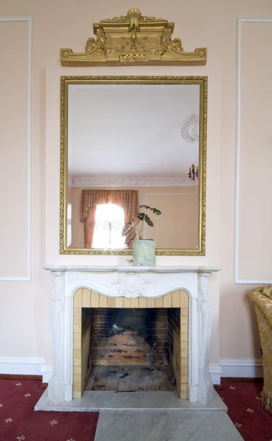 miroir chemine meilleures ides propos de miroir de chemine sur salon avec chemin e de marbre. Black Bedroom Furniture Sets. Home Design Ideas