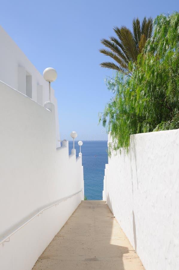 Chemin à la plage. image stock