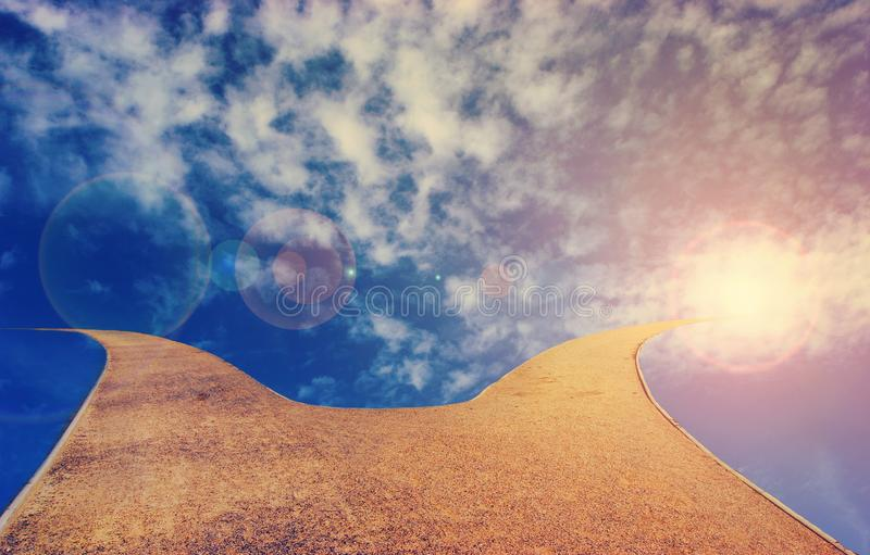 Chemin au ciel image stock