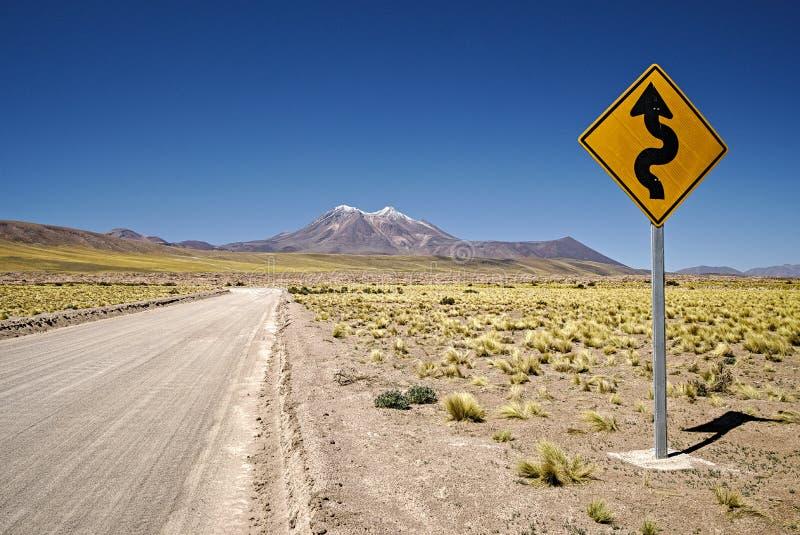Chemin avec courbes en avance photos stock