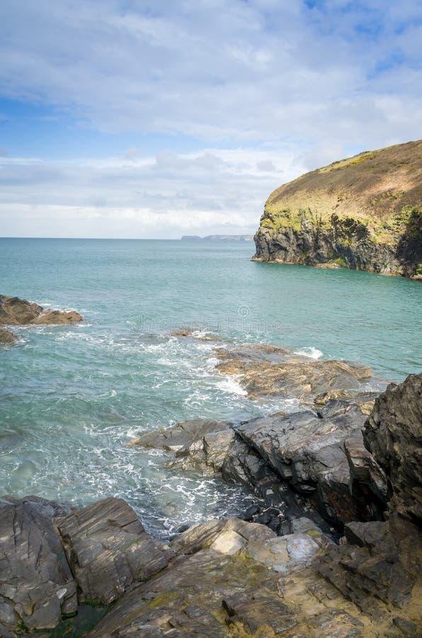 Chemin côtier autour de quin de port près de port Isaac les Cornouailles Angleterre R-U image libre de droits