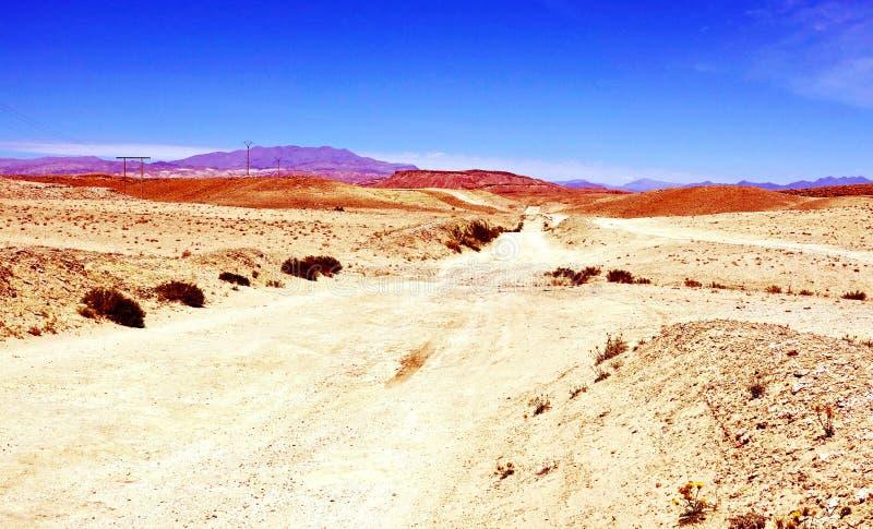 Chemin dans le dessert près de Boumalne Dades, Maroc, Afrique photos stock