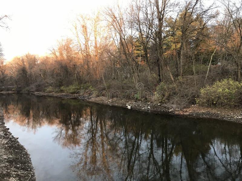 Chemin de canal à côté de rivière Easton Pennsylvania Etats-Unis de Lehigh photos stock