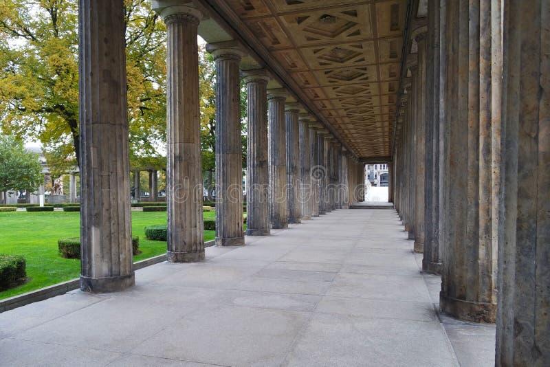 Chemin de colonnes photo libre de droits