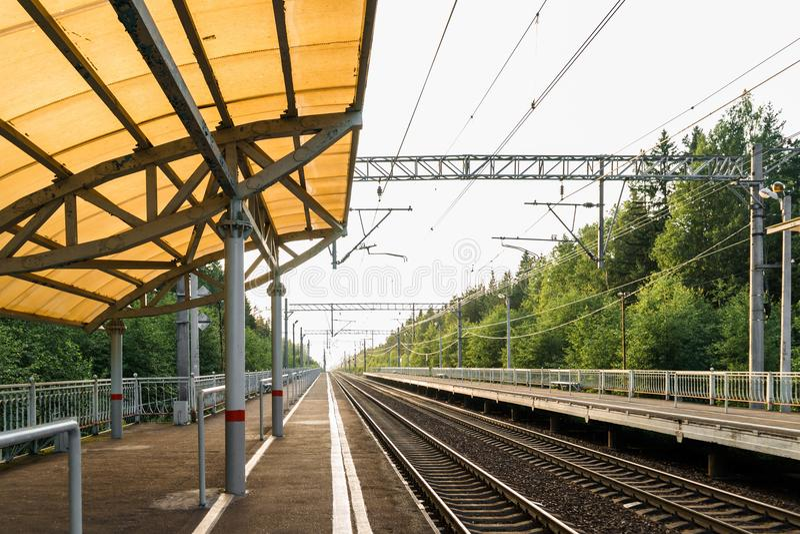 Chemin de fer à voyager au loin photographie stock libre de droits