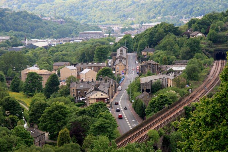 Chemin de fer au-dessus d'A646 chez Todmorden images stock