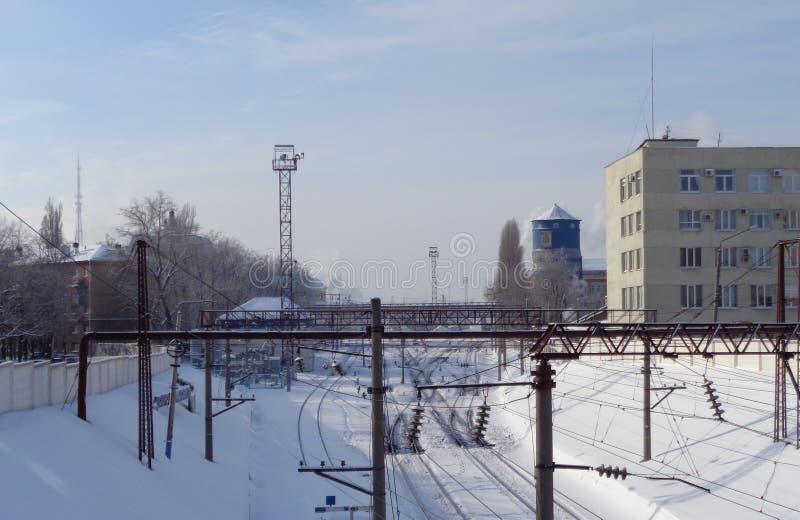 Chemin de fer dans la ville images stock