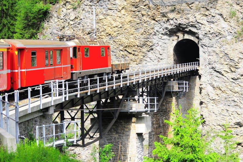 Chemin de fer de Chur - d'Arosa. photographie stock libre de droits
