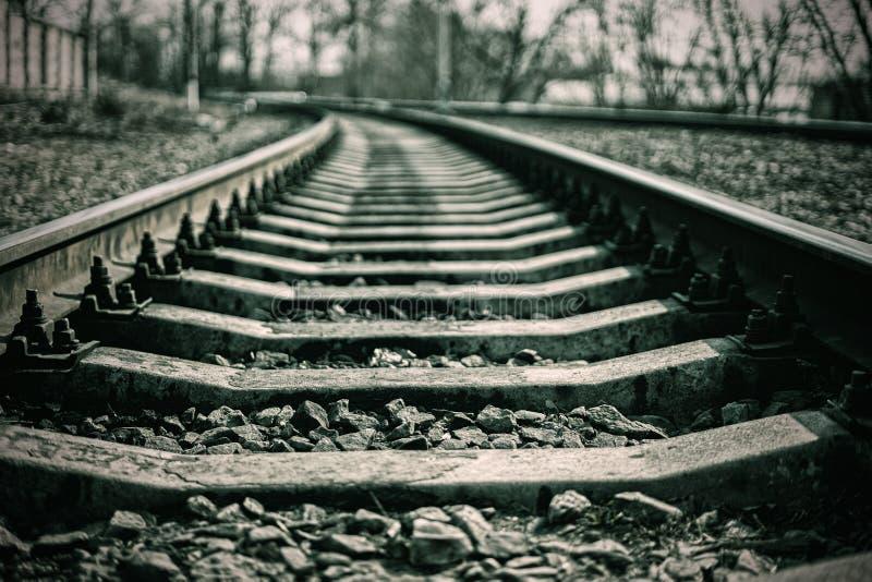 Chemin de fer un vert foncé et fantasmagorique teinté photo stock