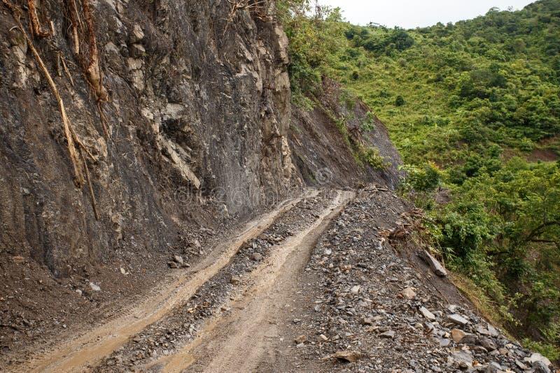 Download Chemin De Terre, Chin State, Myanmar Photo stock - Image du troisième, saleté: 56476050