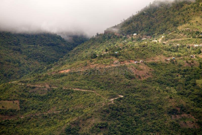 Download Chemin De Terre, Chin State, Myanmar Image stock - Image du jungle, nuageux: 56476801