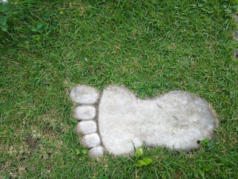 Chemin en pierre de jardin dans le format de pied images libres de droits