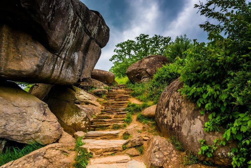 Chemin et rochers dans le repaire du diable, Gettysburg, Pennsylvanie photographie stock