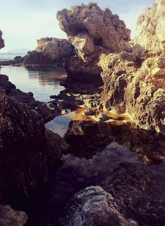 Chemin vers la mer photos stock