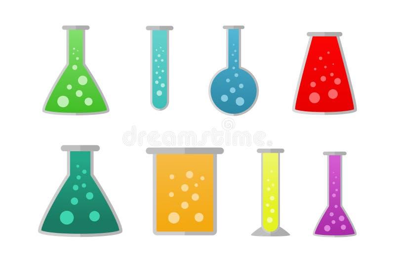 Chemische Flaschen mit verschiedenen flüssigen Farben lizenzfreies stockbild