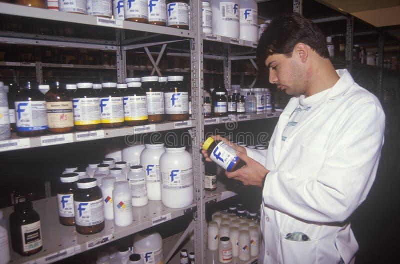 Chemische pakhuistechnicus royalty-vrije stock fotografie