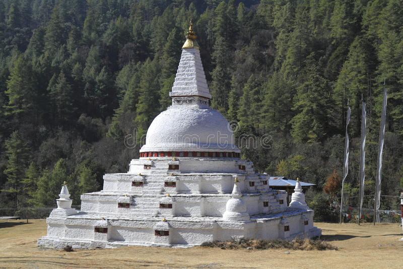 Chendebji Chorten, Bhutan royaltyfri foto