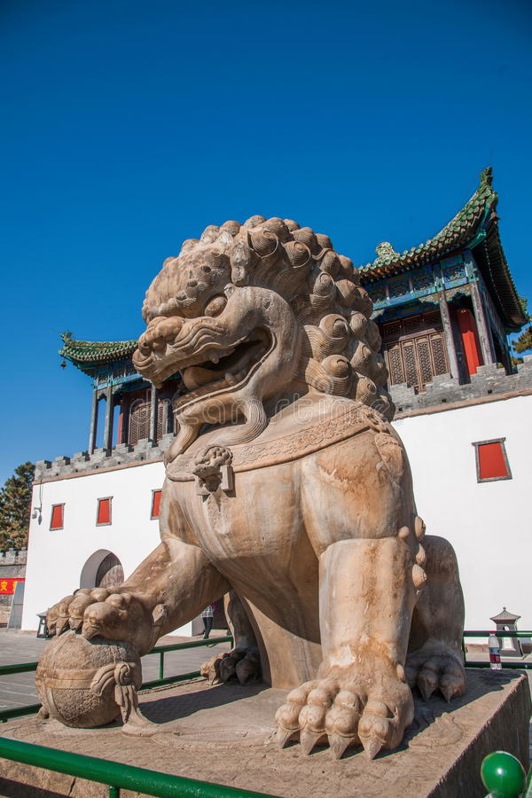 Free Chengde Mountain Resort In Putuo, Hebei Province By The Temple Of The Door Of A Pair Of Lions Royalty Free Stock Photo - 82718995