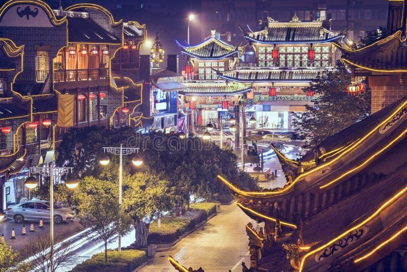 Chengdu, Cina alla via di Qintai immagini stock