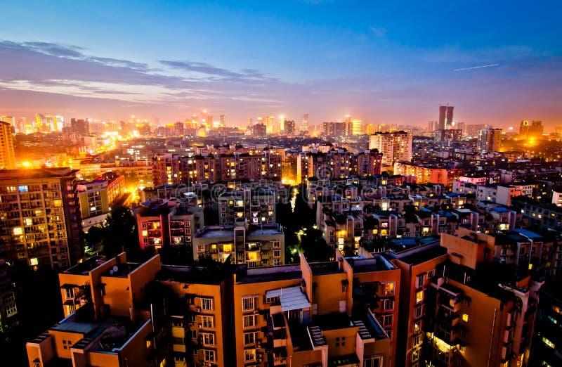Chengdu en la noche foto de archivo