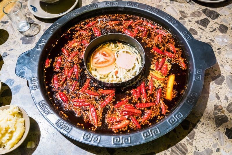 Chengdu varm kruka, sichuan som gnider varm maträtten fotografering för bildbyråer