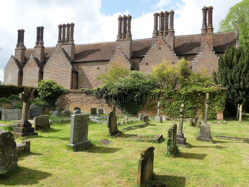 Chenies rezydencji ziemskiej dom, Tudor stopień spisywałem budynek, z kościelnym cmentarzem w przedpolu obraz royalty free