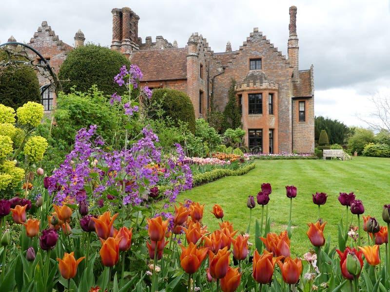 Chenies rezydencji ziemskiej dom, Tudor stopie? spisywa?em budynek, w wio?nie zdjęcia royalty free