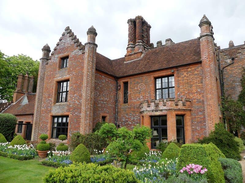 Chenies rezydencji ziemskiej dom, Tudor stopie? spisywa?em budynek, w wio?nie zdjęcie stock