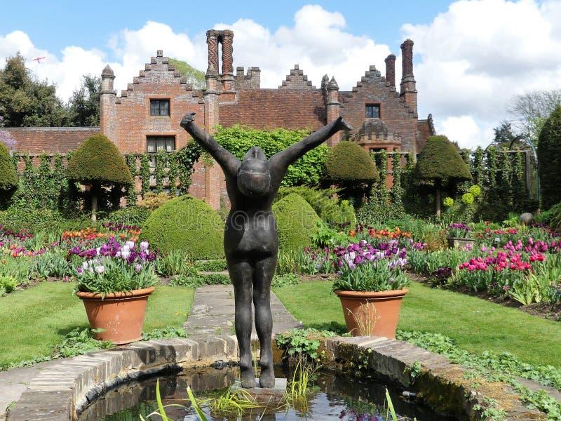 Chenies rezydencji ziemskiej dom, Tudor stopie? spisywa?em budynek, w wio?nie obrazy stock