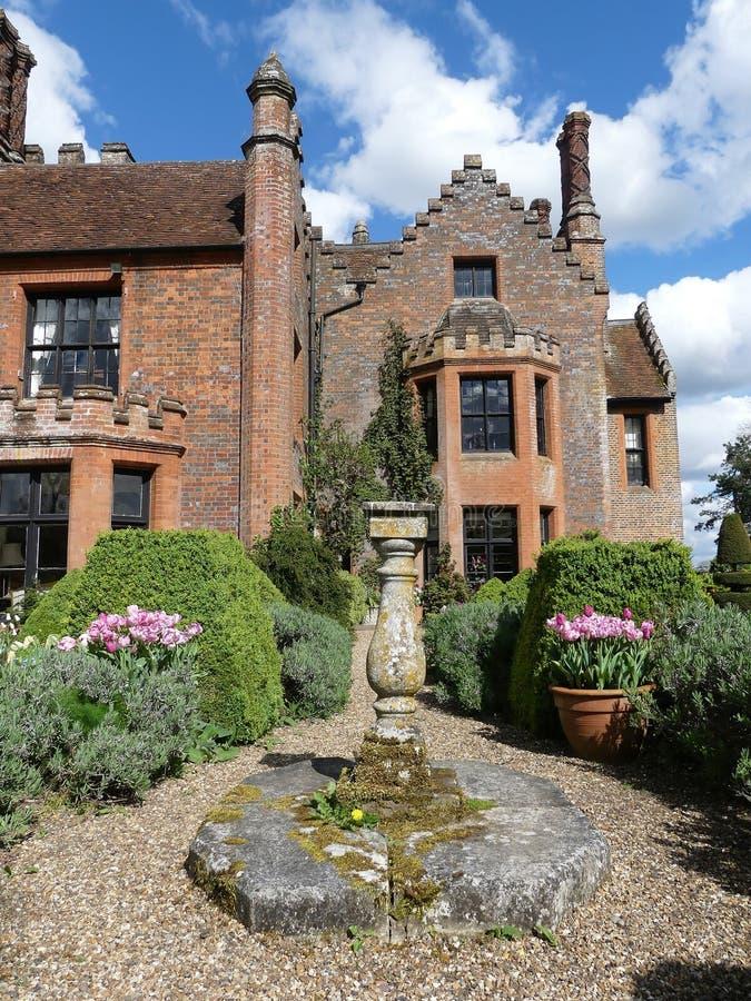 Chenies rezydencji ziemskiej dom, Tudor stopie? spisywa?em budynek, w wio?nie fotografia stock