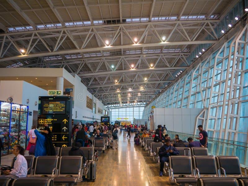 Chennai lotnisko, Międzynarodowy Terminal Pasażera czekanie przed wsiadać ich plan fotografia royalty free