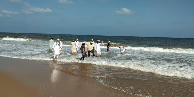 Chennai strandsikt med vågorna royaltyfri foto