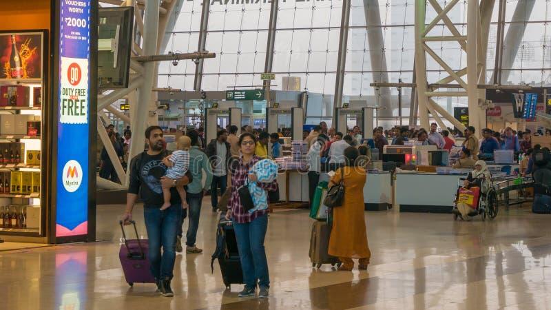 Chennai, tamil nadu India, Styczeń, - 14, 2018 Chennai lotnisko, Międzynarodowy Terminal Pasażery iść ich brama po przechodzić obrazy royalty free