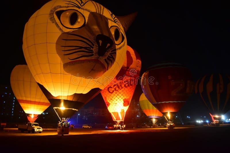 Chennai, Tamilnadu - Indien, am 6. Januar 2019: Spezielle Form-Ballone im Tamil Nadu steigen Festival im Ballon auf lizenzfreie stockbilder