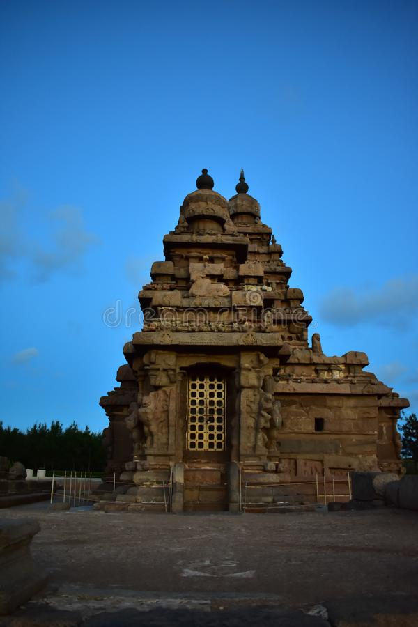 Chennai, Tamilnadu - Indien - 9. September 2018: Küsten-Tempel in Mahabalipuram lizenzfreies stockfoto