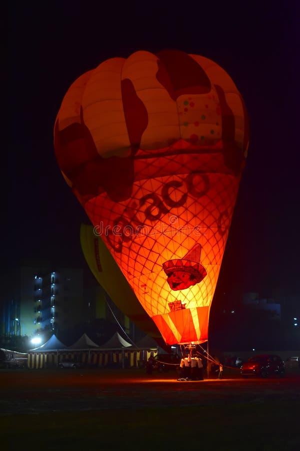 Chennai, Tamilnadu - la India, el 6 de enero de 2019: Globo de la forma del helado en el festival del impulso del aire caliente fotografía de archivo libre de regalías