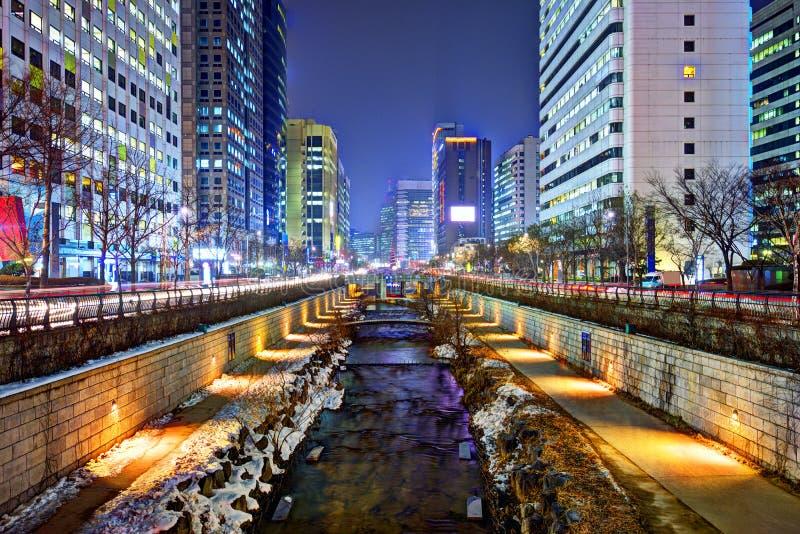 Cheonggyecheon in Seoel stock afbeeldingen