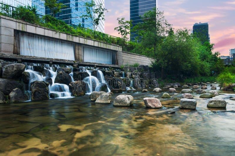Cheonggyecheon-Strom stockfotografie