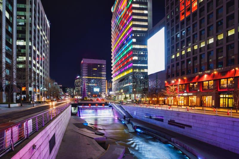 Cheonggyecheon-Strom stockbilder