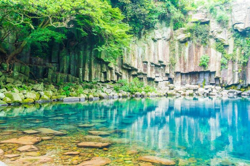 cheonjeyeonvattenfall i Jeju Isaland arkivfoto