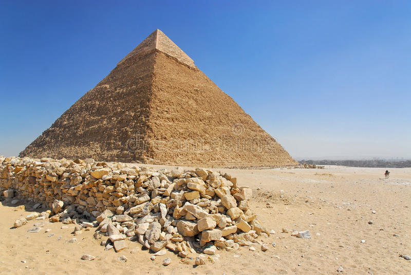 Cheops pyramid i Giza arkivfoton