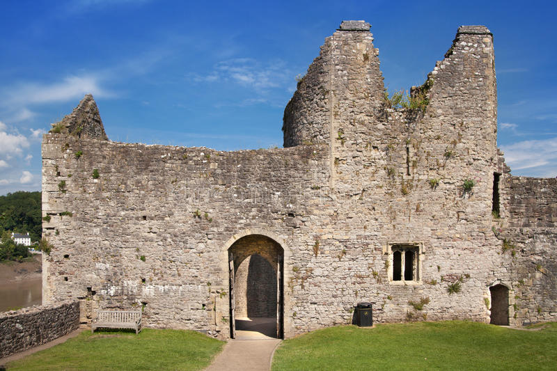 Chepstow castel ruiny, podstawa, 1067-1188 obraz stock