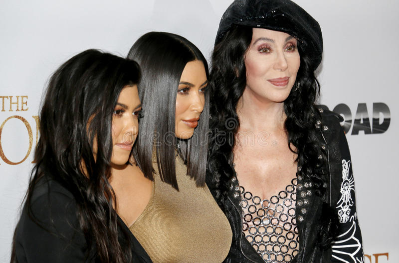 Cher, Kim Kardashian West en Kourtney Kardashian royalty-vrije stock afbeelding