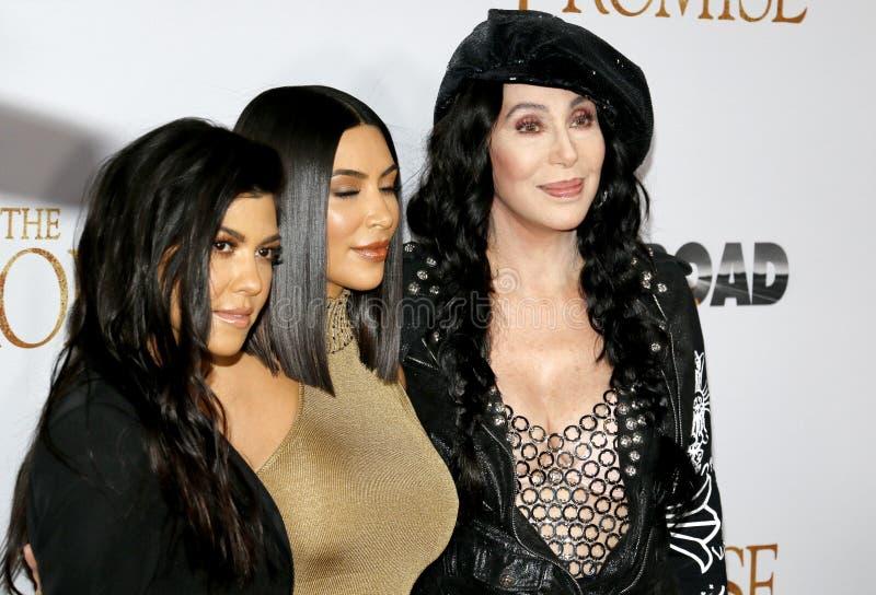 Cher, Kim Kardashian West en Kourtney Kardashian stock fotografie