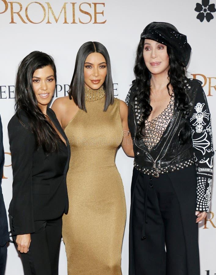 Cher, Kim Kardashian West et Kourtney Kardashian images stock