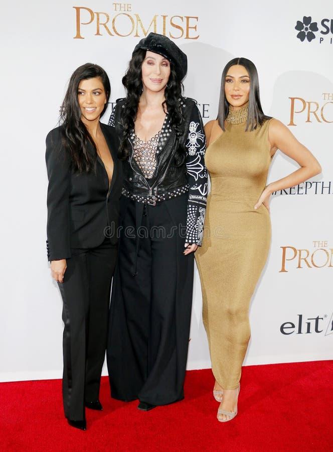 Cher, Kim Kardashian West et Kourtney Kardashian photo libre de droits
