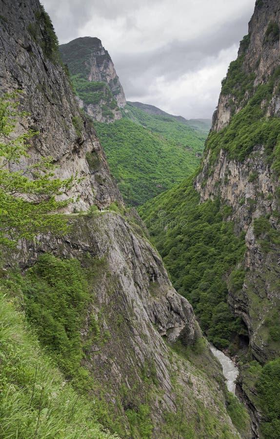 Cherek峡谷 卡巴尔达-巴尔卡里亚 Caucas 库存照片