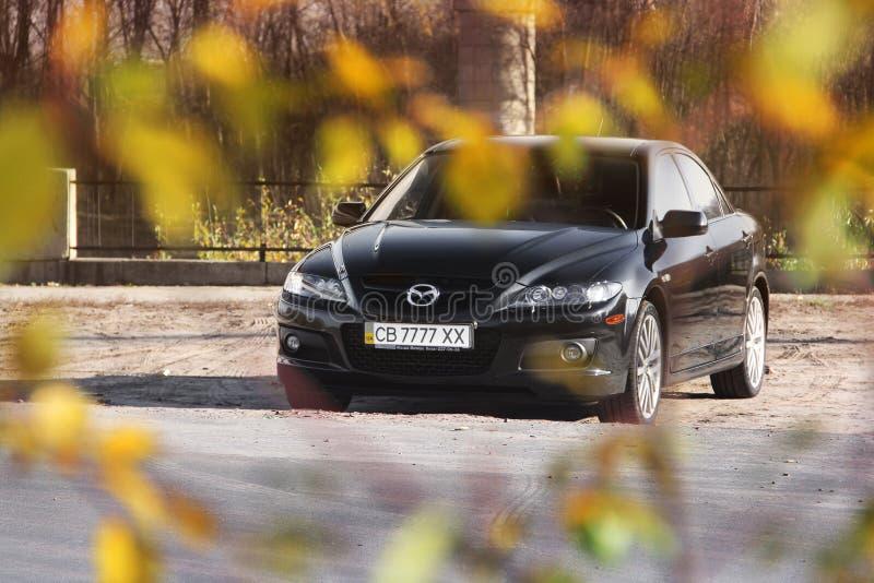 Chernihiv, de Oekraïne - November 10, 2018: Zwart Mazda 6 MPS in stock foto's