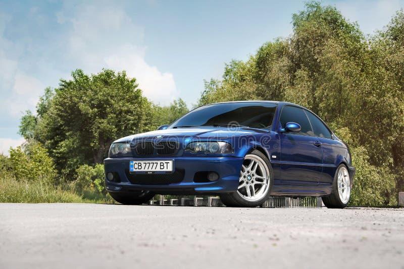 Chernihiv Ukraina, Maj, - 24, 2019: BMW E46 sport?w samoch?d w mie?cie zdjęcie stock